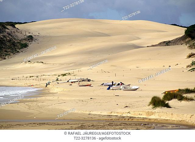 Rate (Spain). Dune of Bologna next to the Roman city of Baelo Claudia
