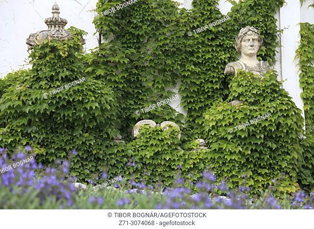 Czech Republic, Moravia, Mikulov, Castle, garden, flowers, statue,