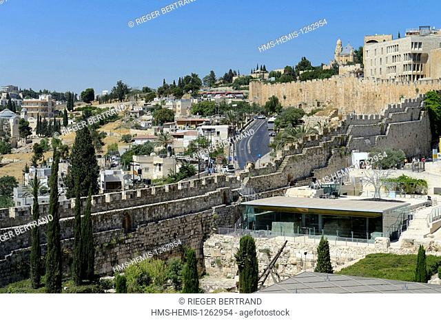Israel, Jerusalem, holy city, the old town listed as World Heritage by UNESCO, Davidson Center down on the right, the city walls dating from the time Suleiman...
