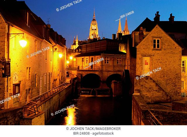 FRA, France, Normandy, Bayeux: River L'Aure, old tanners and dyers district