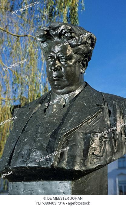 Bust of Felix Timmermans te Lier, Belgium