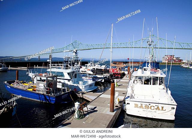 Boat dock on columbia river Stock Photos and Images | age
