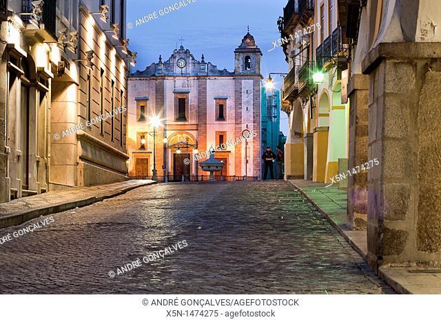 Giraldo Square, Evora, Alentejo, Portugal, Europe