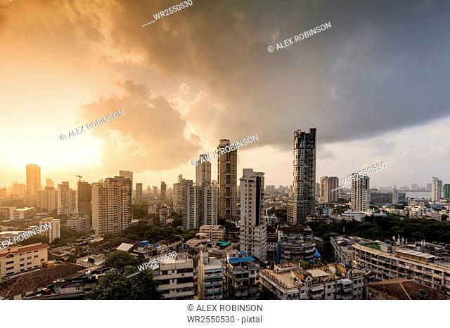 General view of the skyline of central Mumbai (Bombay), Maharashtra, India, Asia