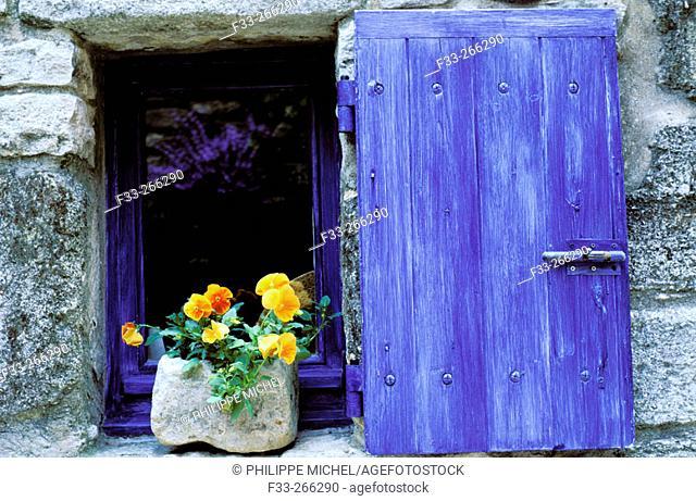 Blue window. Saignon. Luberon. Vaucluse. Provence. France
