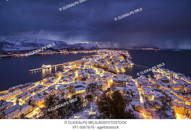 Winter storm at Alesund, Vestlandet, More og Romsdal county, Norway, Europe