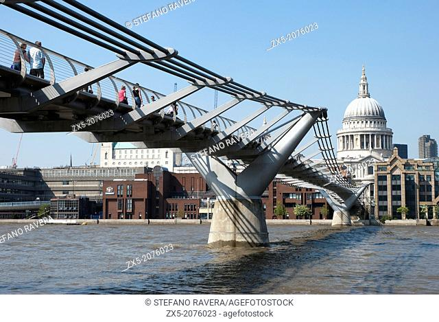 Millennium bridge and St Paul's Cathedral in the background - London, England