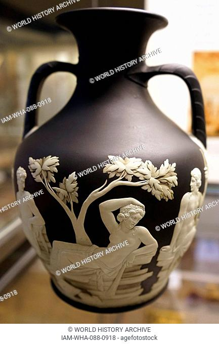 Portland Vase Stock Photos And Images Age Fotostock