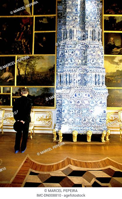 Russia, St Petersburg, palace of Catherine II, military looking at paintings
