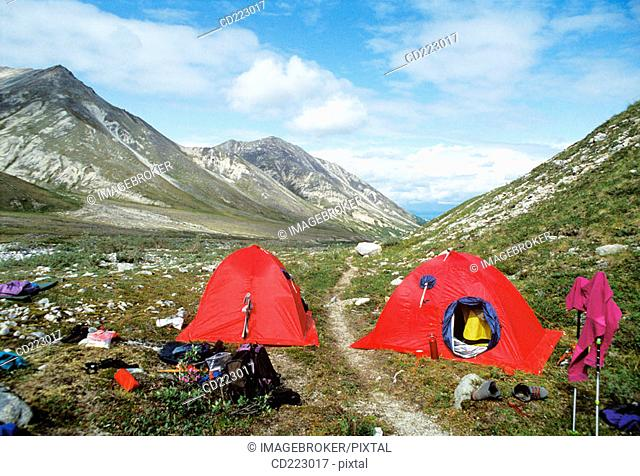 Mountain hike in the Denali Range northern wilderness, Mt. Silverthrone (4000 m.) next to Mt. Mc Kinley, Alaska