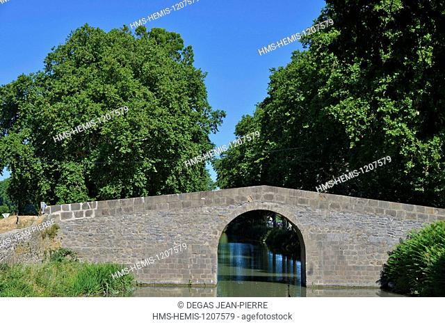 France, Herault, Cers, Canal du Midi listed as World Heritage by UNESCO, Bridge of Caylus