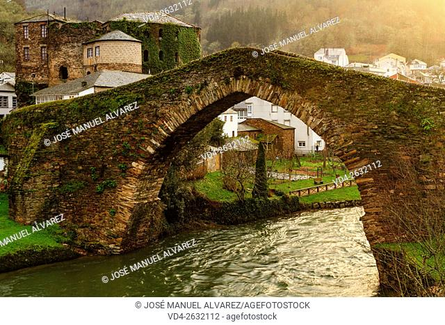 Medieval bridge and castle of Navia de Suarna (Ancares). Ancares is a biosphere reserve, located in the province of Lugo, Galicia, Spain
