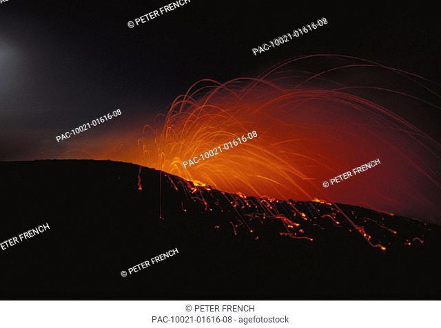 Hawaii, Big Island, Kilauea Volcano, lava explodes at night, Kupapau Point