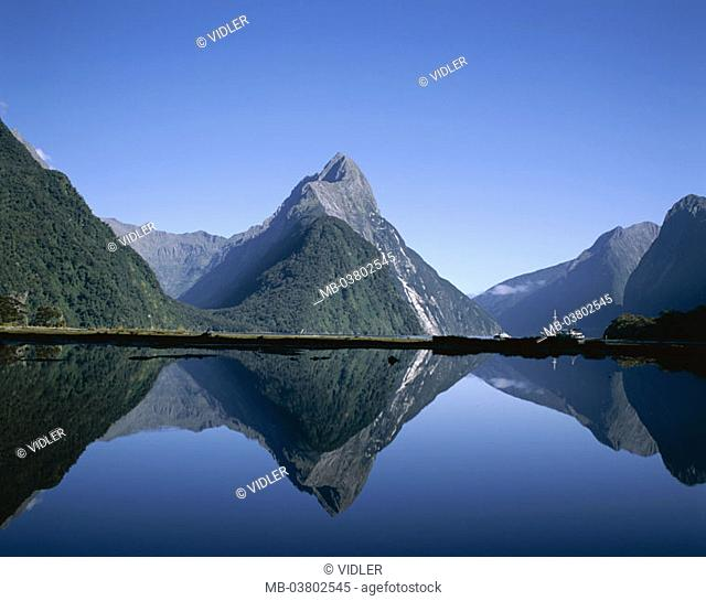 New Zealand, South island, Fiordland National park, Milford sound, 'Mitre Peak', 1692 m, water reflection South island, southwest coast, highland, mountains