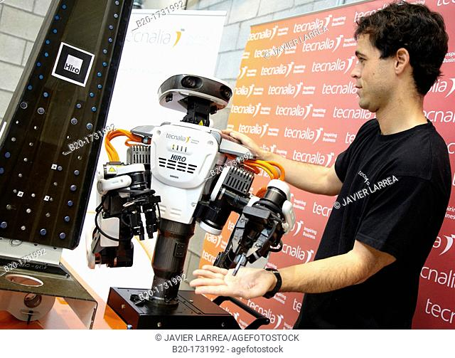 Hiro Japanese robot, humanoid robot working alongside people, Industrial Robotics, Research in Industrial Systems, R & D + i, Tecnalia Research and Innovation