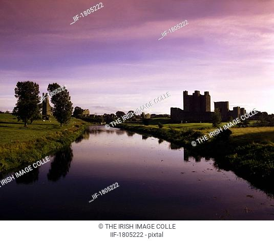Co Meath, Trim Castle And River Boyne, Ireland