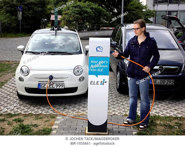 Electric car of the Emscher Lippe Energie GmbH, ELE, type Fiat 500, at a charging station, Gelsenkirchen, North Rhine-Westphalia, Germany, Europe