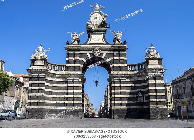 Porta Garibaldi, Piazza Palestro, Catania, Sicily, Italy