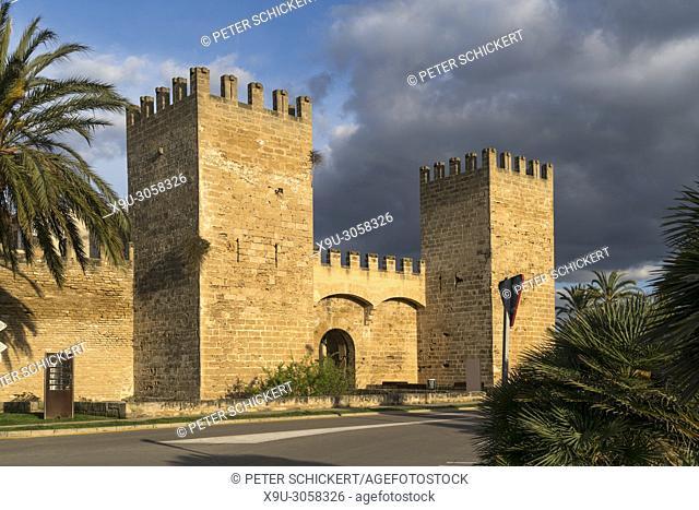 Gate of the city walls, Alcudia, Majorca, Balearic Islands, Spain