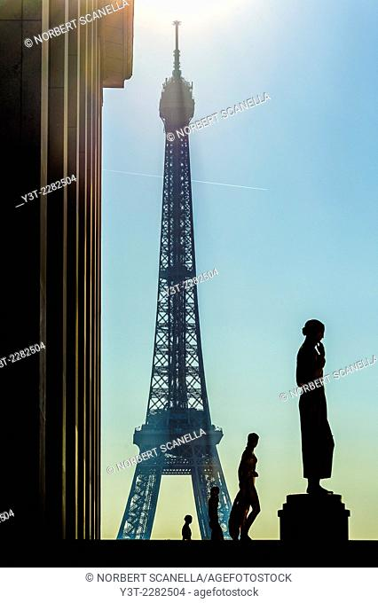 Europe. France. Ile de France. Paris. Trocadero. Effel Tower in the morning