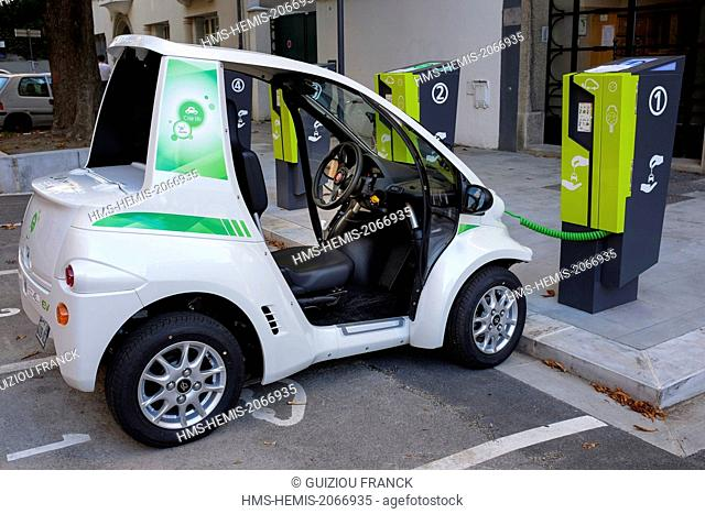 France, Isere, Grenoble, Cite lib' car-sharing services proposes a new grid called City lib' by Ha: mo (for Harmonius Development) in partnership with the...
