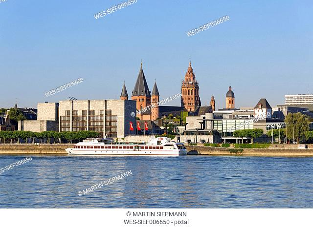 Germany, Mainz, view to town hall and Rheingold Hall with Rhine River in the foreground