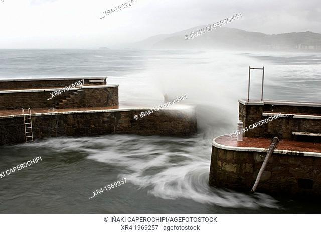 Waves in the port of Zarautz, Port of Zarautz, Zarautz, Gipuzkoa, Guipuzcoa, Basque Country, Spain