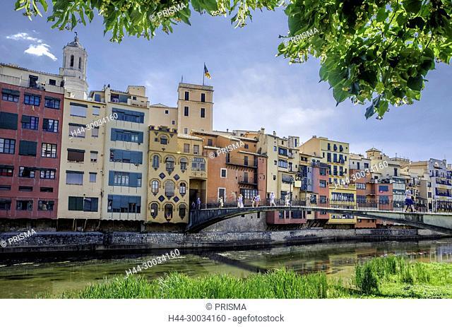 Spain, Catalunya, Girona City, Onyar river,colorful houses