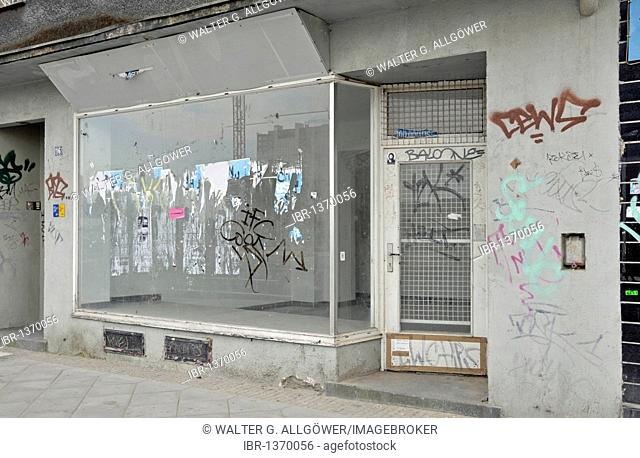 Closure of a business, vacant shop in Dortmund, North Rhine-Westphalia, Germany, Europe