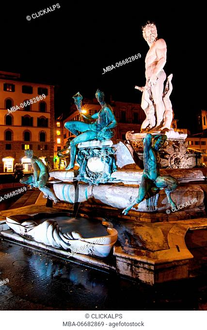 Europe, Italy, Tuscany. Fountain of Neptune in Piazza della Signoria in the center of Florence