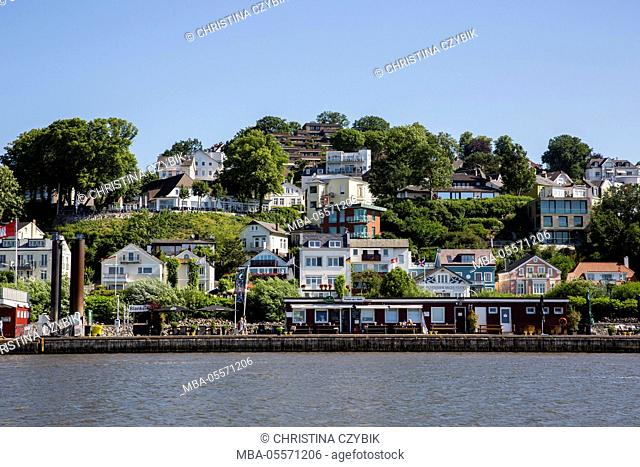 Harbour tour in Hamburg: View on Blankenese and the Süllberg
