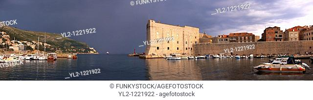Dubrovnik Old Town port in a thunder storm - Croatia