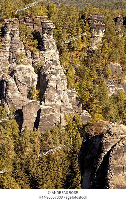 Carola rock in the Elbe Sandstone Mountains, Saxony, Germany, Europe
