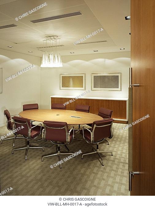MCGRAW HILL OFFICES, 20 CANADA SQUARE, LONDON, E14 POPLAR, UK, BOVIS LENDLEASE LTD, INTERIOR, MEETING ROOM