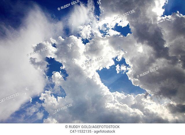 Spain, Catalonia, Lleida province, Vinaixa, Cumulus clouds formations