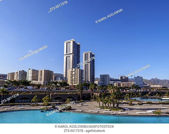 Skyline of the city with Torres de Santa Cruz and Parque Maritimo Cesar Manrique, Santa Cruz de Tenerife, Tenerife Island, Canary Islands, Spain