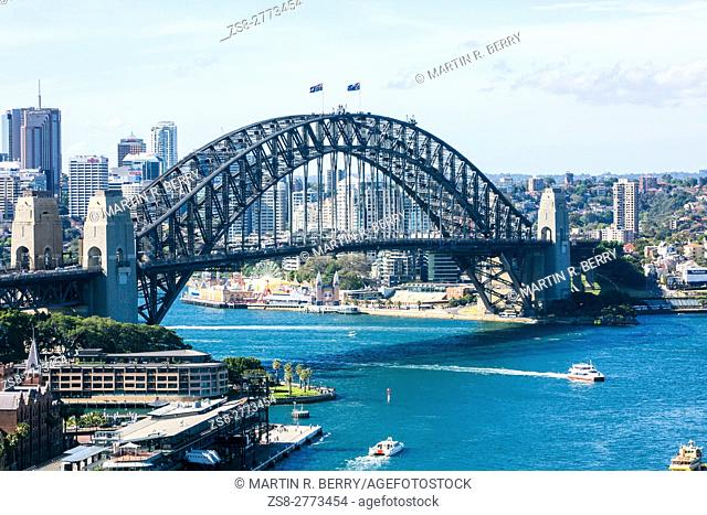 looking north over the sydney harbour bridge