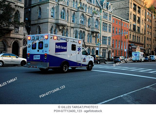usa, etat de New York, New York City, Manhattan, Chelsea, buildings, rue, cooper av, ambulance beth israel, Photo Gilles Targat