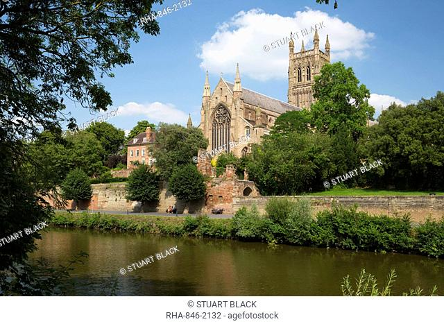 Worcester Cathedral and the River Severn, Worcester, Worcestershire, England, United Kingdom, Europe