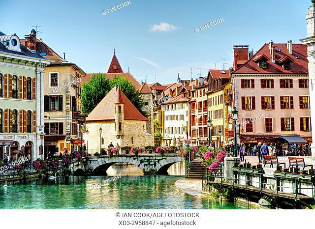 canal and Palais de lâ. . Ile, old town, Annecy, Haute-Savoie department, Auvergne-Rhône-Alpes, France