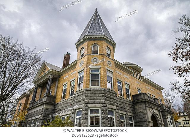 Canada, Quebec, Estrie Region, Stanstead-Rock Island, Haskell Free Library, unique building stradles Canada and US border at Derby Line, Vermont, exterior