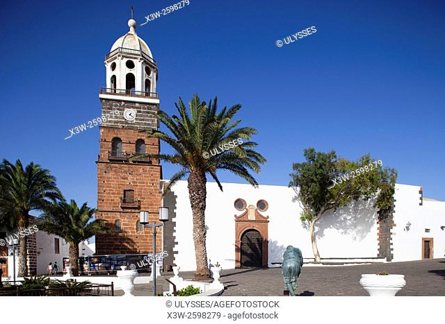 Church of Our Lady of Guadalupe, Plaza de la Constitucion, Teguise village, Lanzarote island, Canary archipelago, Spain, Europe