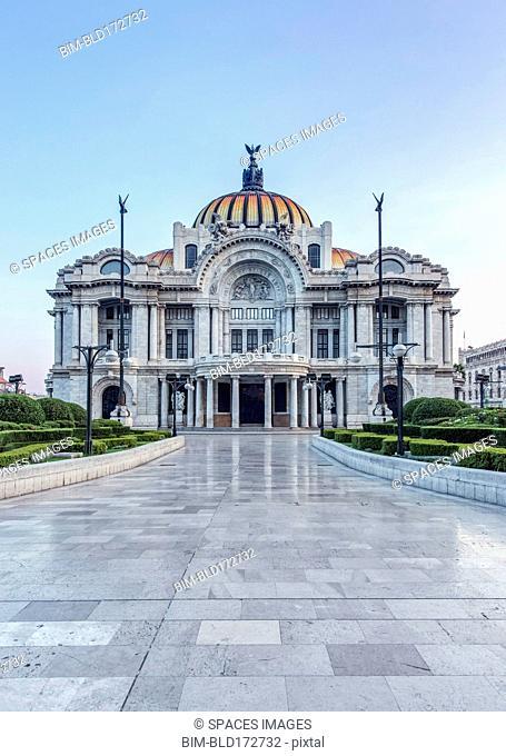 Palciao de Bella Artes and courtyard, Mexico City, Federal District, Mexico