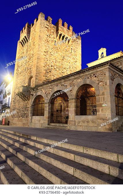 Totte de Bujaco, y Hermita de la Paz. Monumento Historico de Cáceres