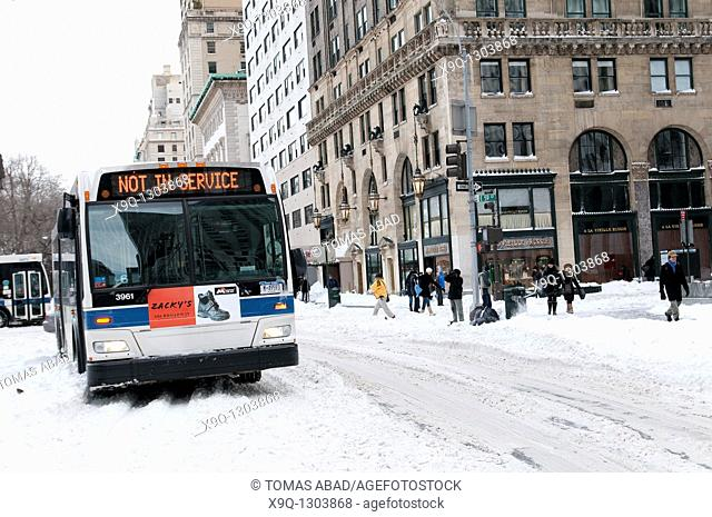 Snow Storm, December 26, 2010, New York City, 5th Avenue, 59th Street vicinity, Manhattan, MTA public bus, Bus sign reads 'Out of Service'