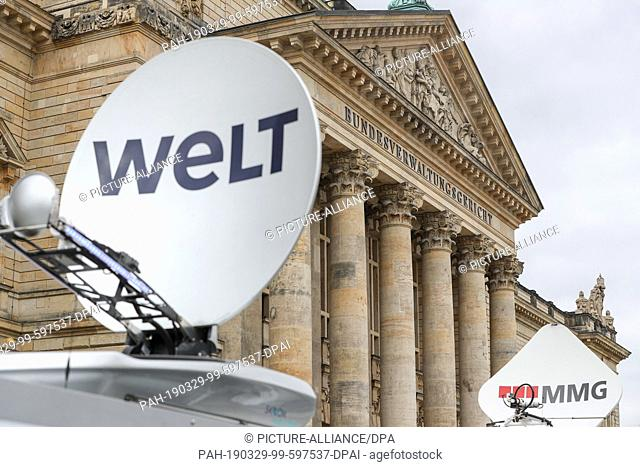 29 March 2019, Saxony, Leipzig: Several outside broadcast vans are about to be sentenced in the Federal Administrative Court (Bundesverwaltungsgericht - BVerwG)...