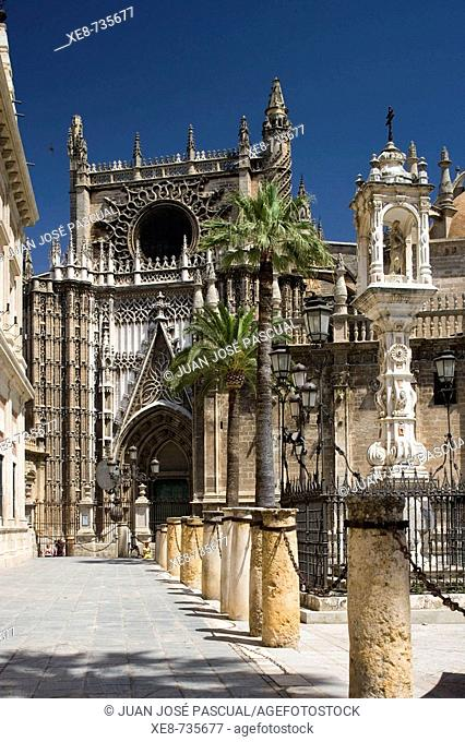 South façade of cathedral, Sevilla. Andalucia, Spain