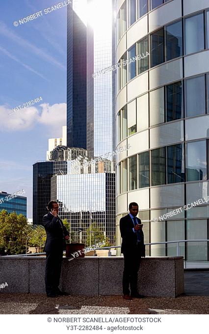 Europe. France. Ile de France, Paris. La Defense. Businessmen
