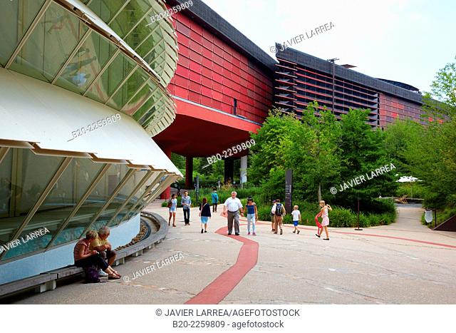 Musée du Quai Branly museum, specialised for primitive or tribal arts, architect Jean Nouvel. Paris. France