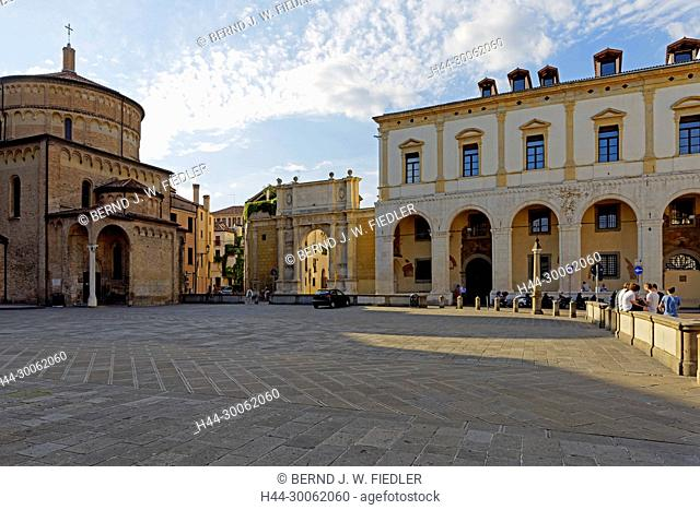 Europe, Italy, Veneto Veneto, Padua, Padova, Piazza Duomo, Duomo Tu Padova, Palazzo del Monte di Pietá, Arco Vallaresso, architecture, building, palaces